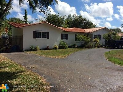 Miami Single Family Home For Sale: 5878 SW 29th St
