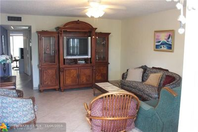 Deerfield Beach Condo/Townhouse For Sale: 438 Richmond E #438
