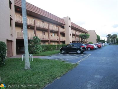Sunrise Condo/Townhouse For Sale: 9850 Sunrise Lakes Blvd #205