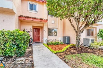 Pembroke Pines Condo/Townhouse For Sale: 849 NW 208th Way #849