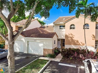 Tamarac Condo/Townhouse For Sale: 8285 NW 70th St #8285