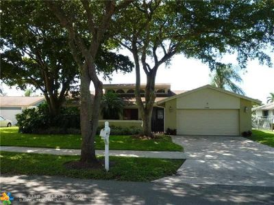 Cooper City Single Family Home For Sale: 3904 E Sailboat Dr