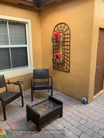 Miami Single Family Home For Sale: 3064 SW 156th Pl