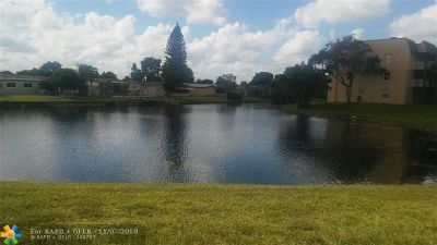 Sunrise Condo/Townhouse For Sale: 9360 Sunrise Lakes Blvd #101