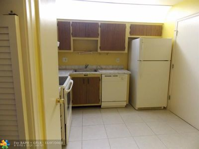 Lauderhill Condo/Townhouse For Sale: 4750 NW 22nd Ct #319