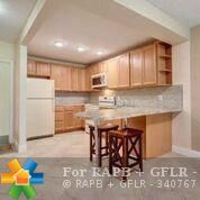 Pompano Beach Condo/Townhouse For Sale: 2731 NE 14th Street Cswy #205