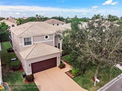 Coral Springs Single Family Home For Sale: 5270 NW 112 Way