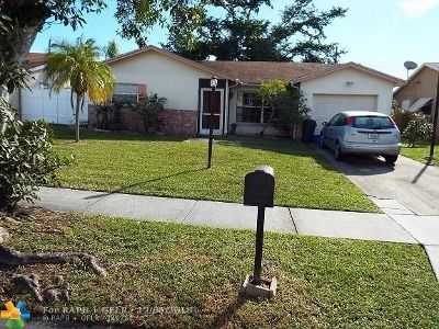 Boca Raton Single Family Home For Sale: 9234 SW 1st Pl