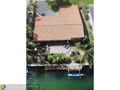 Miami Single Family Home For Sale: 1421 NE 104th St