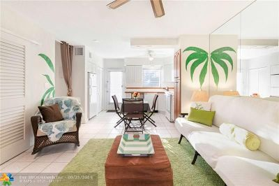 Fort Lauderdale Condo/Townhouse For Sale: 1000 SE 4th St #317