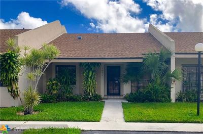 Oakland Park Condo/Townhouse For Sale: 2780 S Oakland Forest Dr #1804