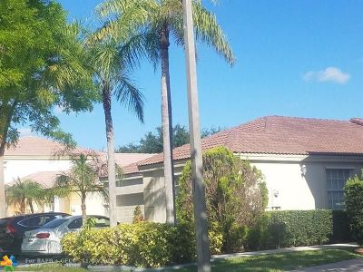 Pembroke Pines Single Family Home For Sale: 15892 NW 21st St