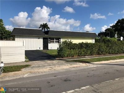 Boca Raton Single Family Home For Sale: 9795 Sandalfoot Blvd