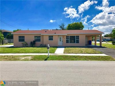 Deerfield Beach Single Family Home For Sale: 230 NW 5th St
