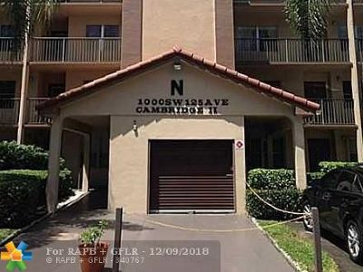 Pembroke Pines Condo/Townhouse For Sale: 1000 SW 125th Ave #412N