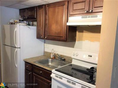 Boca Raton FL Condo/Townhouse For Sale: $99,900