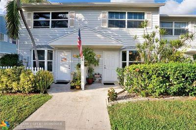 Pompano Beach Condo/Townhouse For Sale: 2563 NE 15th St #2563