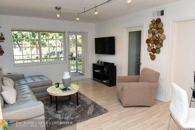 Wilton Manors Condo/Townhouse Backup Contract-Call LA: 300 NE 19th Ct #211N