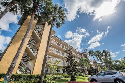 Coconut Creek Condo/Townhouse For Sale: 1718 Hammock Blvd #208