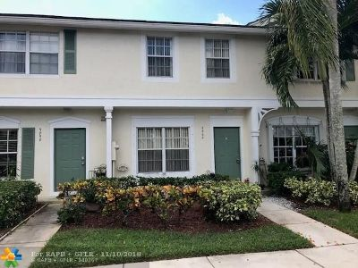 Coral Springs Condo/Townhouse For Sale: 9862 NW 57th Mnr #9862