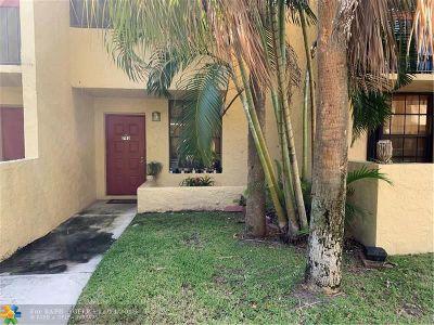 Deerfield Beach Condo/Townhouse For Sale: 793 SE 1st Way #73