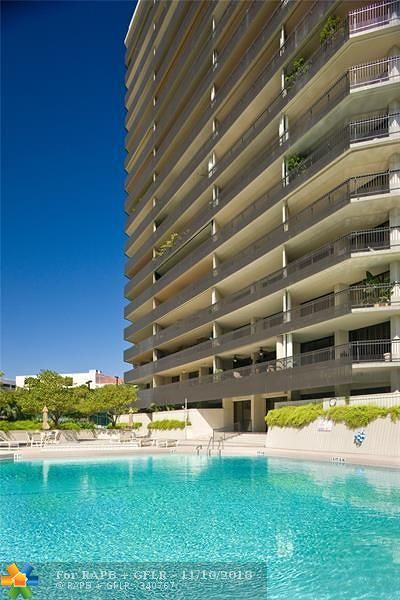 Miami Condo/Townhouse For Sale: 2901 S Bayshore Dr #6D