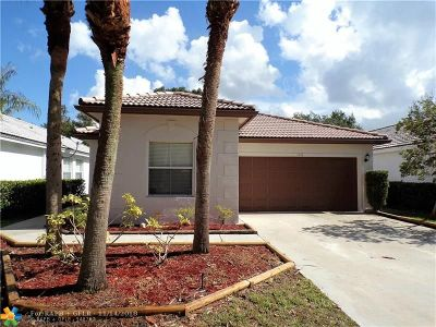 Pembroke Pines Single Family Home For Sale: 1533 NW 208th Ter