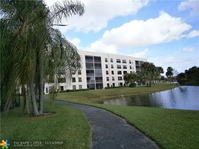 Coconut Creek Condo/Townhouse For Sale: 3050 NW 42nd Ave #301