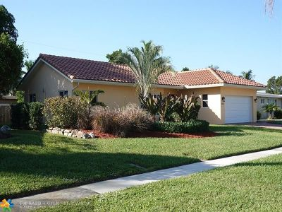 Deerfield Single Family Home For Sale: 918 SE 15th St