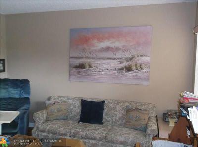 Sunrise FL Condo/Townhouse For Sale: $34,000