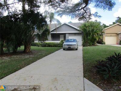 Coconut Creek Single Family Home For Sale: 2566 Dahoon Ave