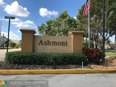 Tamarac Condo/Townhouse For Sale: 7564 Ashmont Cir #304