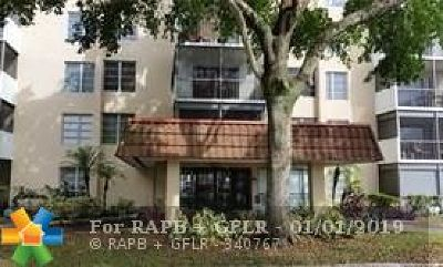 Lauderhill Condo/Townhouse For Sale: 4158 Inverrary Dr #310