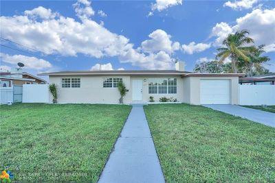 Miami Single Family Home For Sale: 19110 NE Miami Ct