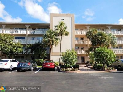Coconut Creek Condo/Townhouse For Sale: 3305 Aruba Way #E-3
