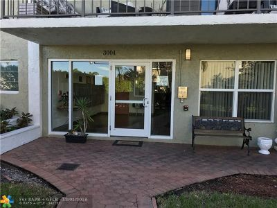 Wilton Manors Condo/Townhouse Backup Contract-Call LA: 3004 NE 5th Ter #c216