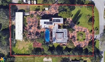 Davie Single Family Home For Sale: 4301 SW 95th Ave