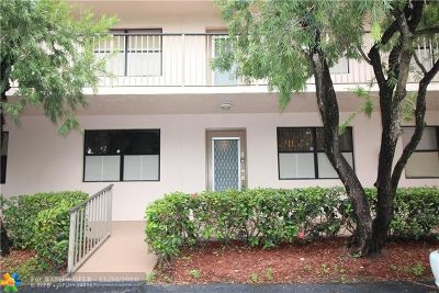 Sunrise FL Condo/Townhouse For Sale: $106,000