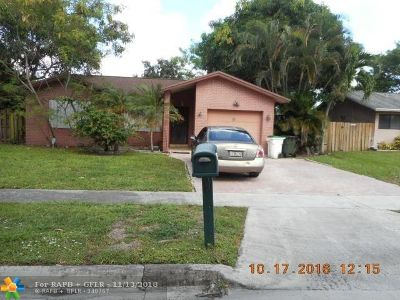 Coconut Creek Single Family Home For Sale: 4963 NW 10th St