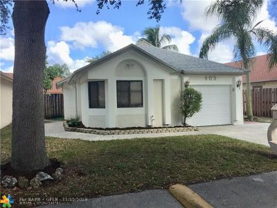 North Lauderdale Single Family Home For Sale: 603 Laurel Way