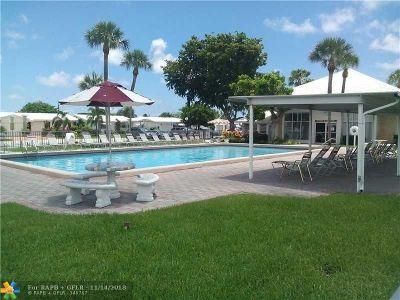 Pompano Beach FL Condo/Townhouse For Sale: $86,000