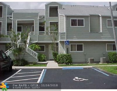 Lauderdale Lakes Condo/Townhouse For Sale: 3453 NW 44th St #104