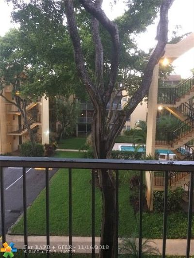 Plantation Condo/Townhouse For Sale: 471 N Pine Island Rd #304D