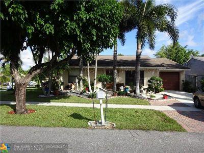 Boynton Beach Single Family Home For Sale: 7355 Willow Springs Cir