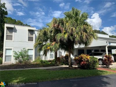 Boca Raton FL Condo/Townhouse For Sale: $225,000