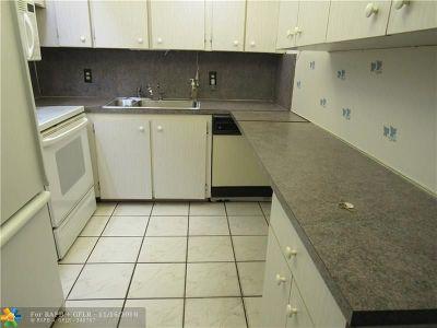Deerfield Beach Condo/Townhouse For Sale: 146 Upminster G #146