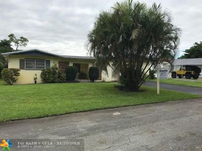 Pembroke Pines Single Family Home For Sale: 1320 SW 67th Way