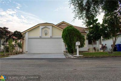 North Lauderdale Single Family Home For Sale: 1315 E Glen Oak Rd