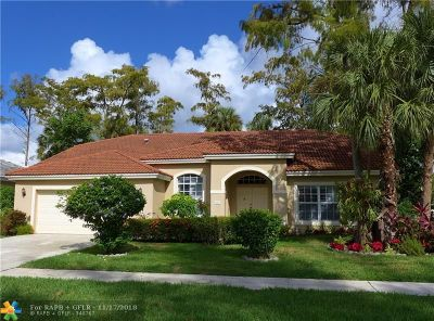 Lauderhill Single Family Home For Sale: 6421 NW 51st Court