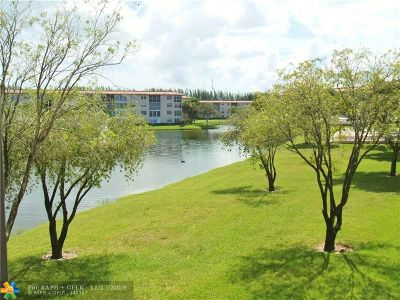 Coconut Creek Condo/Townhouse For Sale: 1803 Eleuthera Pt #A2